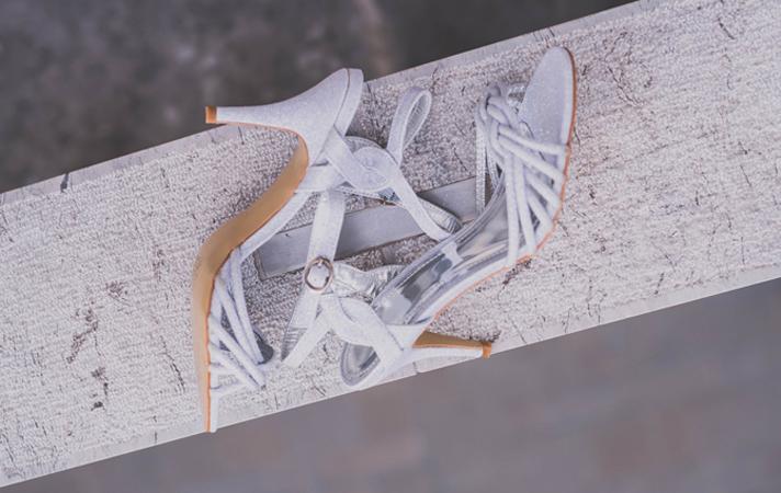 Srebrni sandali LARA z nizko petko